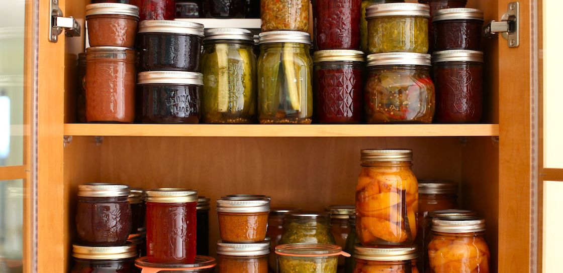 jars-in-pantry