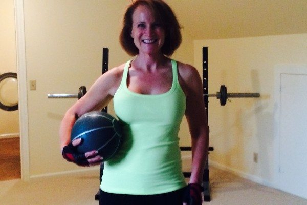 4 Simple Medicine Ball Exercises for Smokin' Hot Abs
