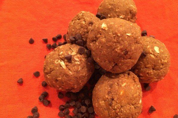 Recipe: No-Bake Pumpkin Chocolate Chip Energy Bites